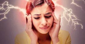 Most Powerful Essential Oils For Headaches & Migraines (By Type +Recipes)